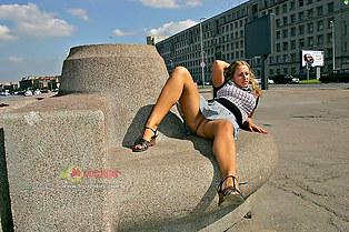 College girl Oksana upskirts snatch