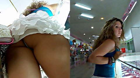 Luxurious girl panty upskirt flash