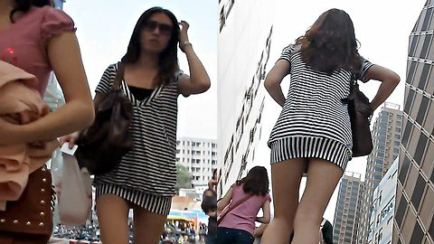 Hot girl up skirt caught on camera